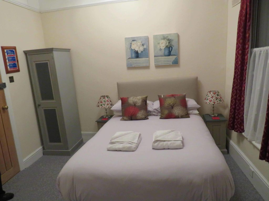 Newport Quay Hotel Room 4 Double Room Standard Double Bed_2
