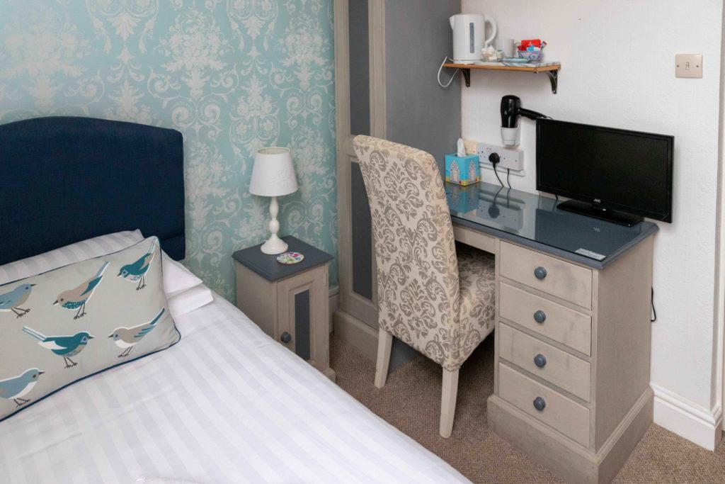 Newport Quay Hotel Room 7 Single Room Single Bed_2