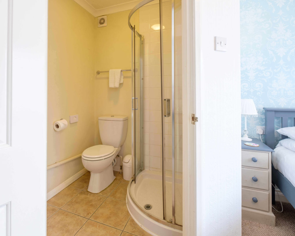 Newport Quay Hotel Room 9 Bathroom